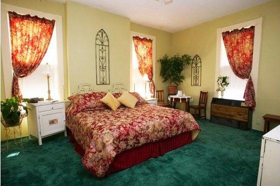 The Courtland Hotel & Spa - Fort Scott, KS 66701