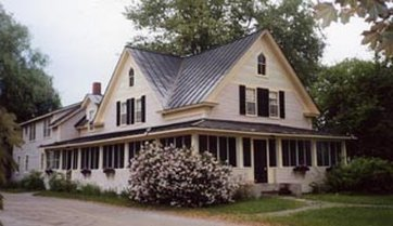 Silver Maple Lodge & Cottages - Bed And Breakfast
