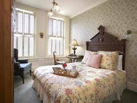 Washington House Inn - Bed And Breakfast